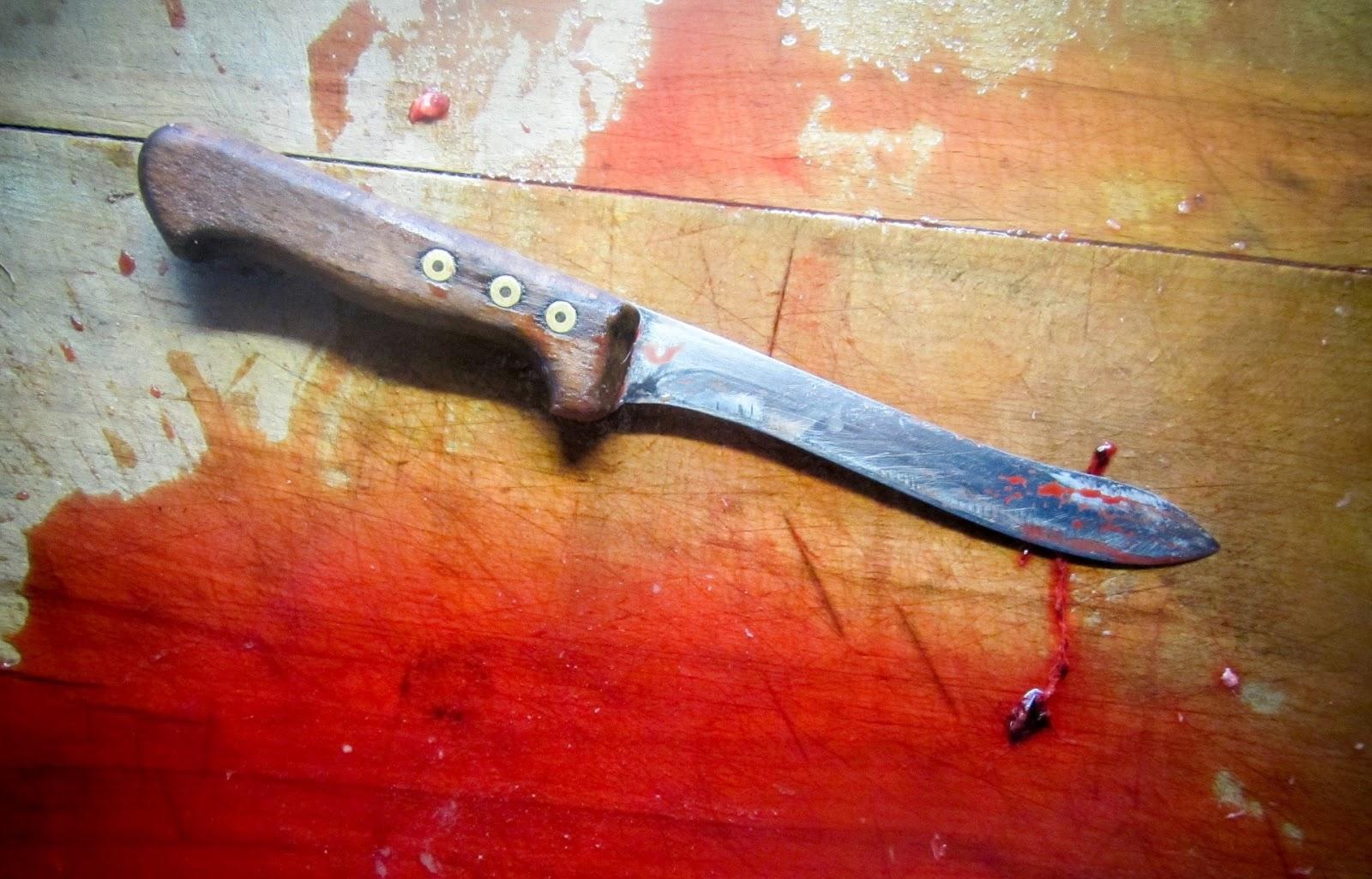 Σοκ : Έκοψε με μαχαίρι το πέος του αφεντικού της επειδή προσπάθησε να τη βιάσει