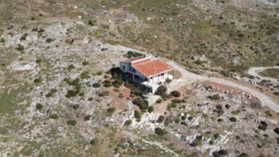 Υπόγειες σήραγγες, ραντάρ, ελικοδρόμιο: Η χλιδάτη αετοφωλιά του «Έλληνα Φύρερ» που κόστισε 100 βρόμικα εκατομμύρια