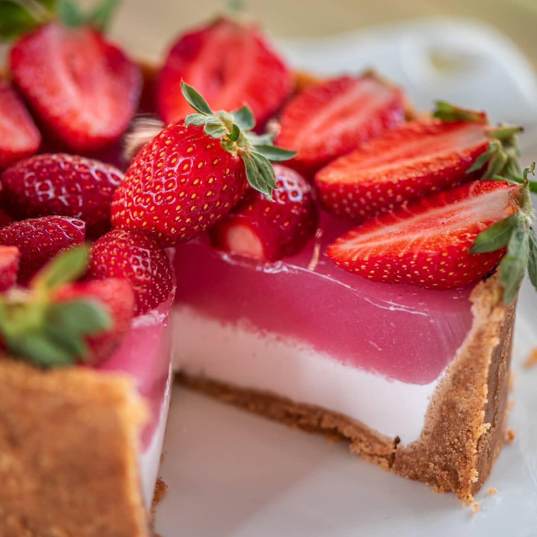 γλυκό_ψυγείου_με_φράουλες_ζελέ_χωρίς ζάχαρη_