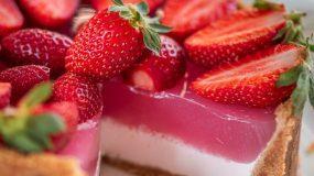 Γιαουρτογλυκό με ζελέ φράουλας Χωρίς ζάχαρη