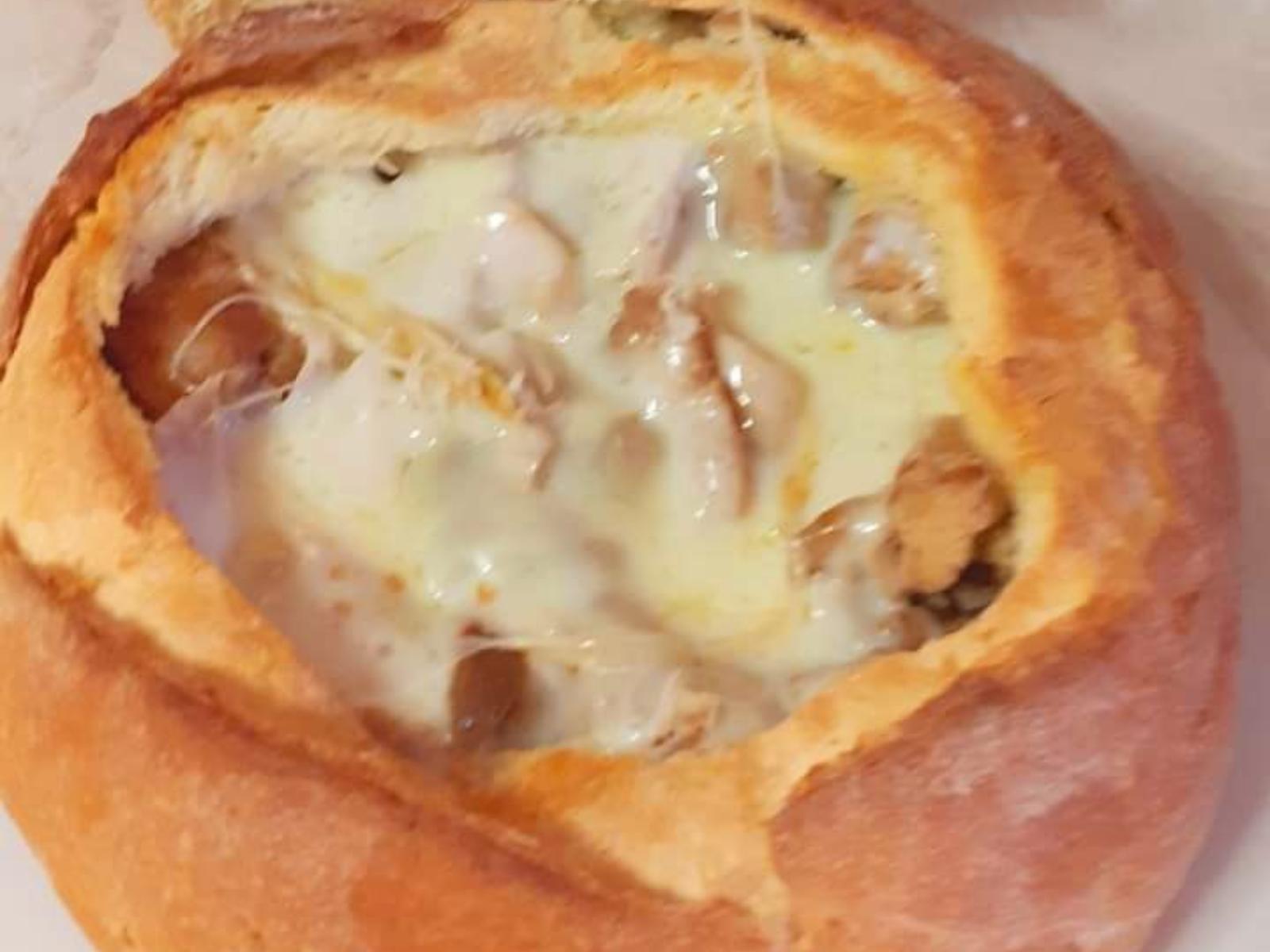 Καρβελάκι γεμιστό με χοιρινή τηγανιά