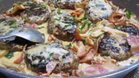 Μπιφτέκια αλά κρεμ στο φούρνο_