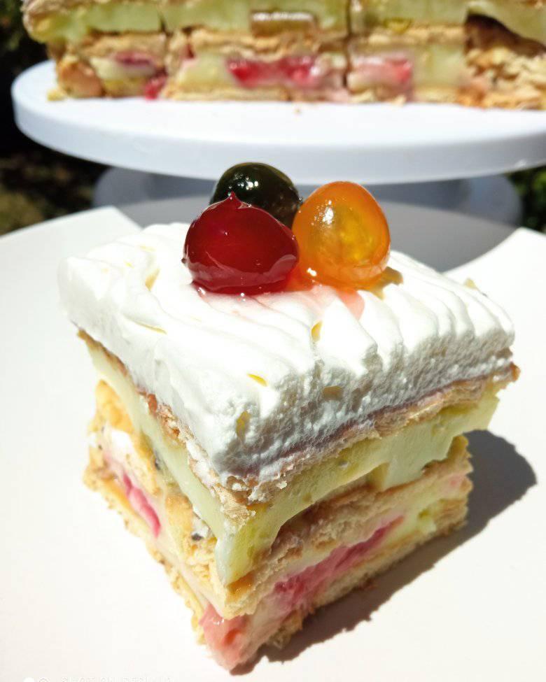 Τούρτα μπισκότων_με_κρέμα_και_φρούτα_