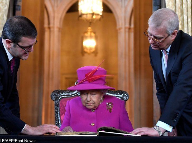 12_πράγματα_που_αποδεικνύουν_ότι_η_βασιλική οικογένεια_είναι_σαν_εμάς_
