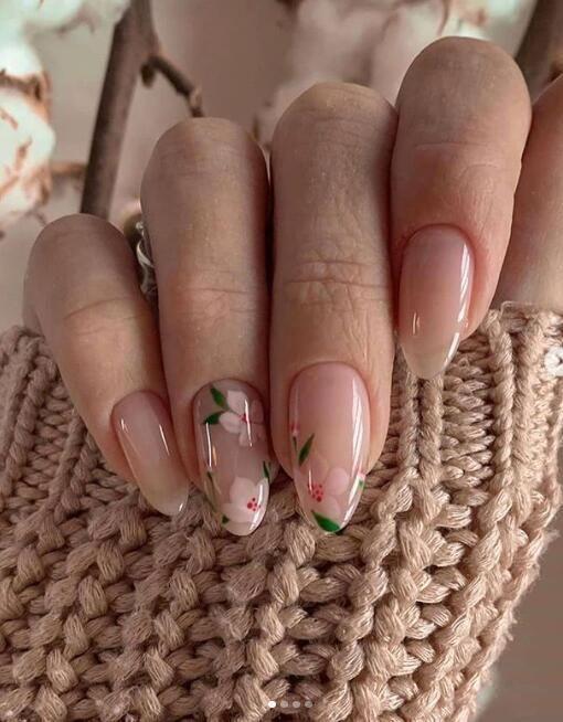 φλοράλ_νύχια_σε_nude_χρώμα_