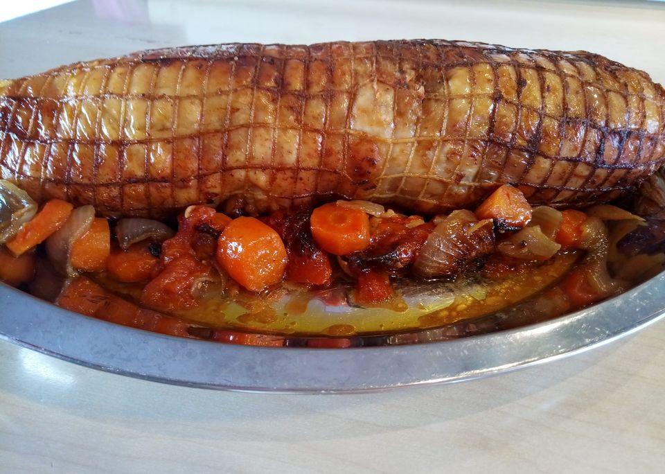 Γεμιστό ρολό_κοτόπουλο_με_σάλτσα λαχανικών_