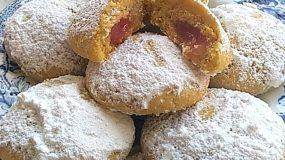 Μπισκότα βουτύρου γεμιστά με λουκουμάκι