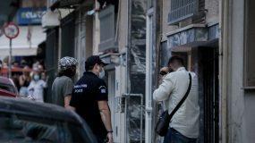 Πετράλωνα: «Βίασε την καθαρίστρια 7 φορές, έδερνε τη μάνα του» – Συγκλονίζει μαρτυρία