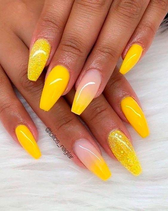 κίτρινο_χρώμα_στα_νύχια_