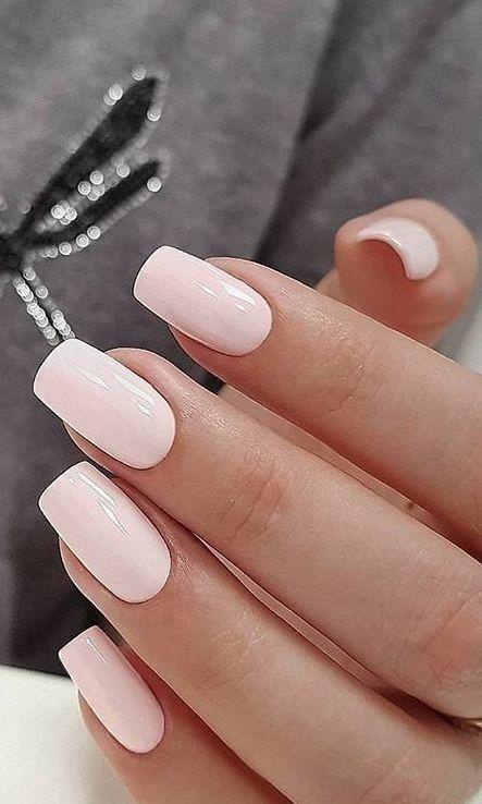 απαλό ροζ_χρώμα_στα_νύχια_