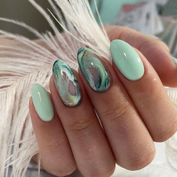veraman χρώμα_με_σχέδιο_στα_νύχια_