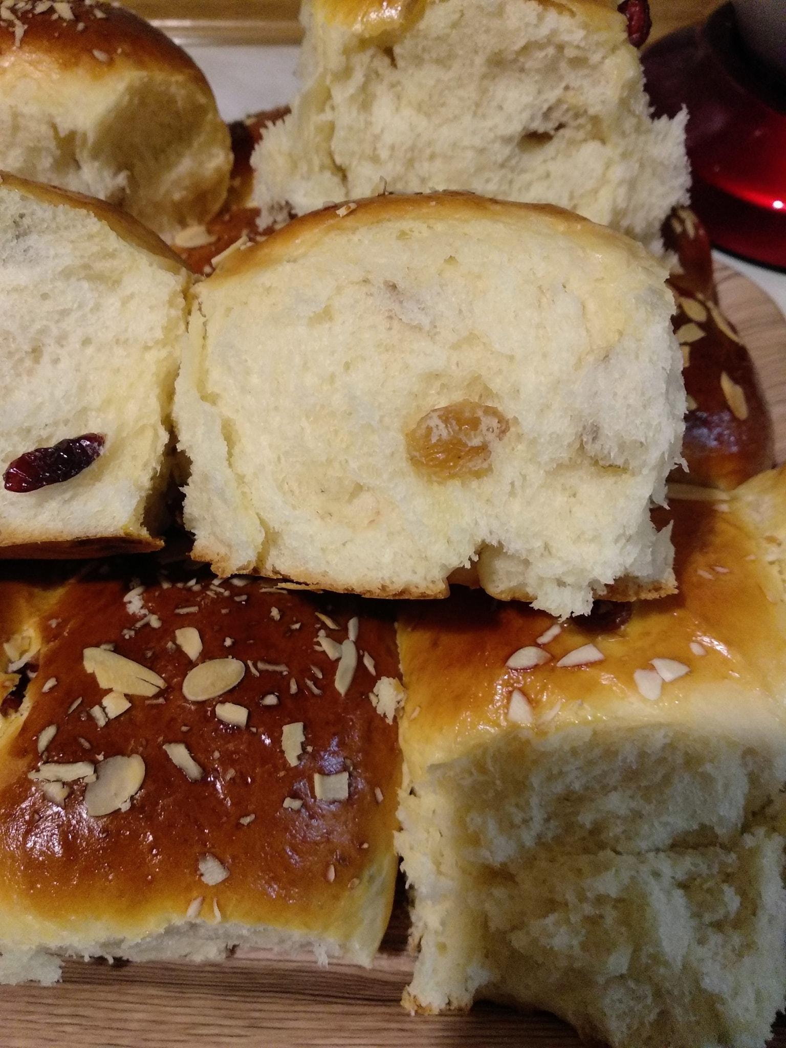 Γλυκά_ψωμάκια_με σταφίδες_