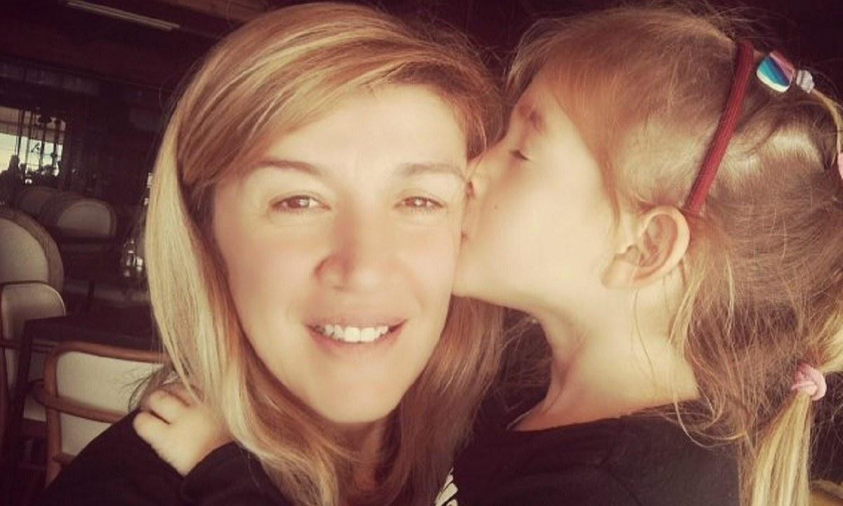 Έρρικα Πρεζεράκου: H συγκινητική ανακοίνωση για την κηδεία της μικρής Αναστασίας