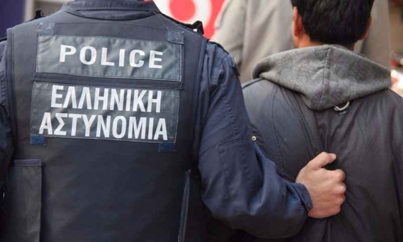Αστυνομικοί μπέρδεψαν την κοκαΐνη με στόκο-  Επί 48 ώρες στα κρατητήρια 2 άνδρες