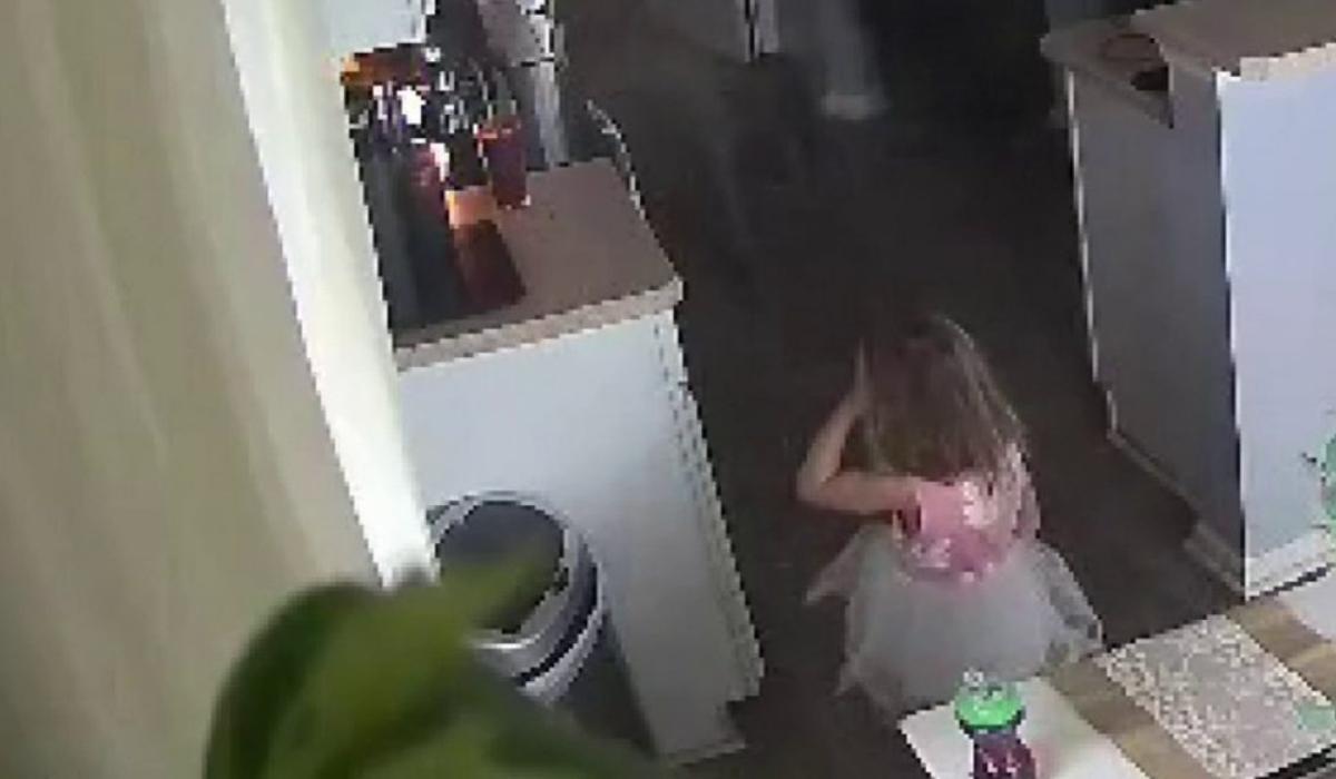 4χρονη_ηρωίδα_έσωσε_το_σπίτι_από_πυρκαγια_