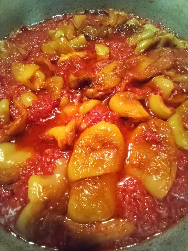 Τηγανιτές πιπεριές_με ντομάτες_