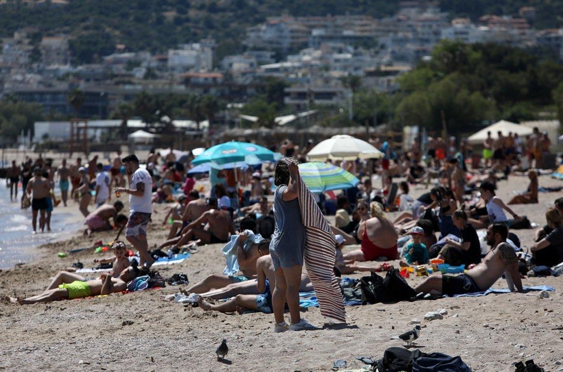 Ξύλο στην παραλία για τις τσιρίδες