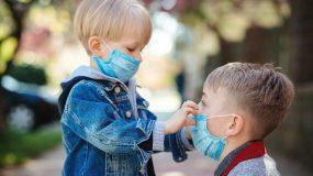 Άνοιγμα σχολείων τον Σεπτέμβρη με μάσκα στα παιδιά από 2 ετών
