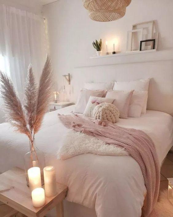 ρομαντική_διακόσμηση_σε_ροζ_χρώμα_στην_κρεβατοκάμαρα_