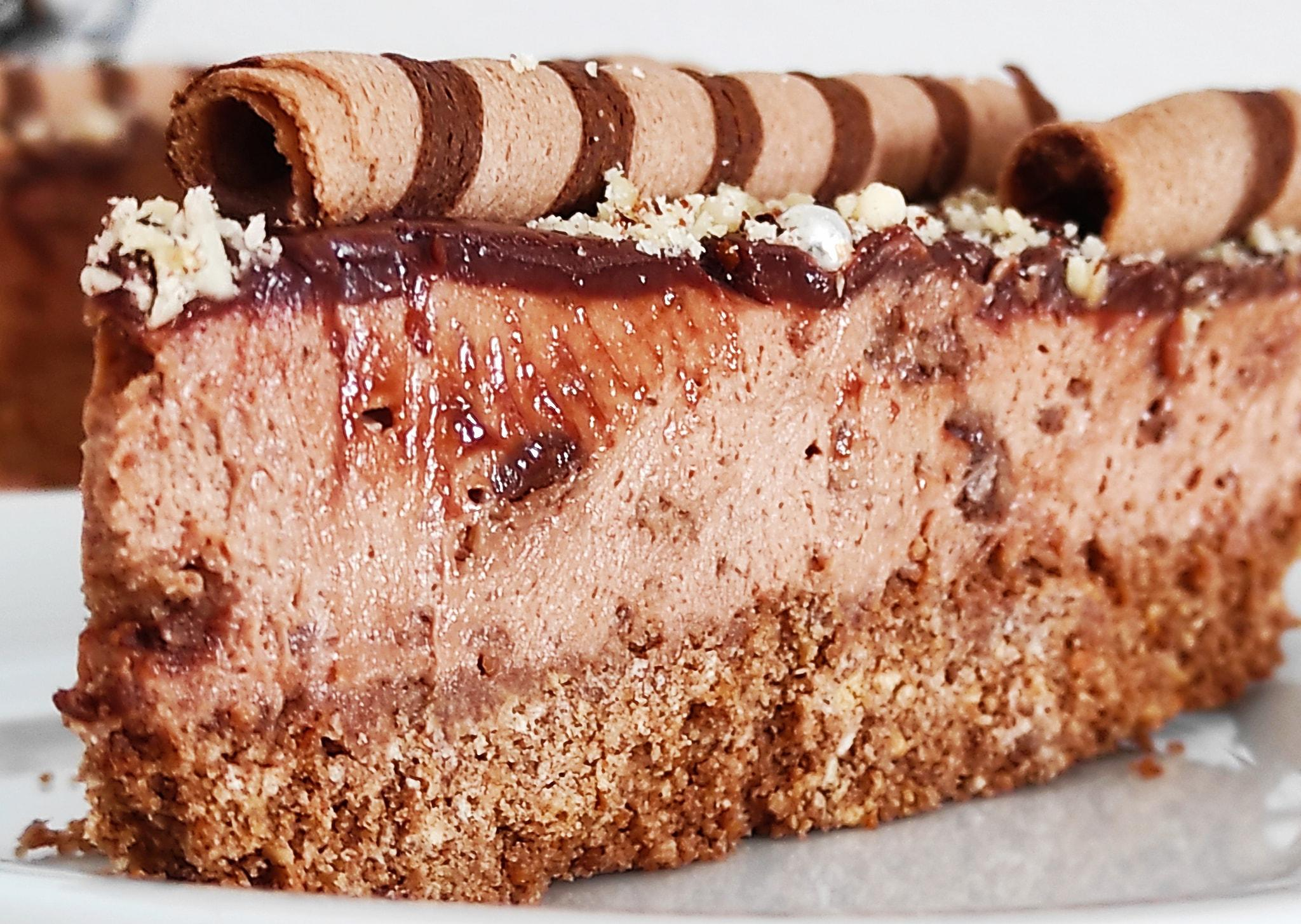 Cheesecake_με πραλίνα φουντουκιού_και_πουράκια_