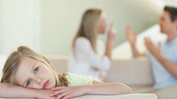 όταν_μαλώνουμε_μπροστά_στο_παιδί_πρέπει_να_τα_βρίσκουμε_και_μπροστά_στο_παιδί_