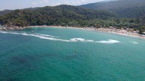 Εικόνες αποκάλυψης: Το φαινόμενο που απειλεί τις πιο όμορφες παραλίες της Ελλάδας