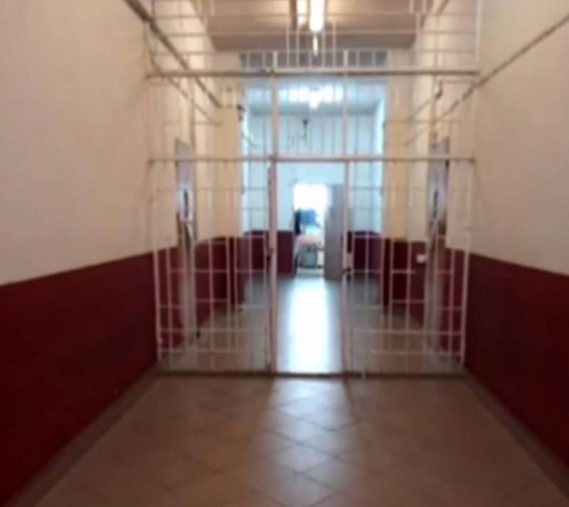 Αυτό είναι το κελί του Πέτρου Φιλιππίδη