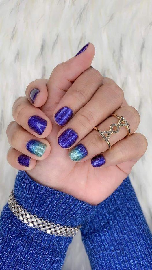 μπλε_ηλεκτρίκ_νύχια_με_γκλίτερ_