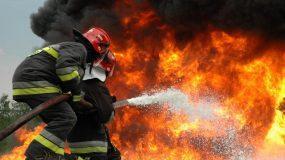 Λόγια ενός Έλληνα πυροσβέστη που τρυπάνε κόκκαλα…