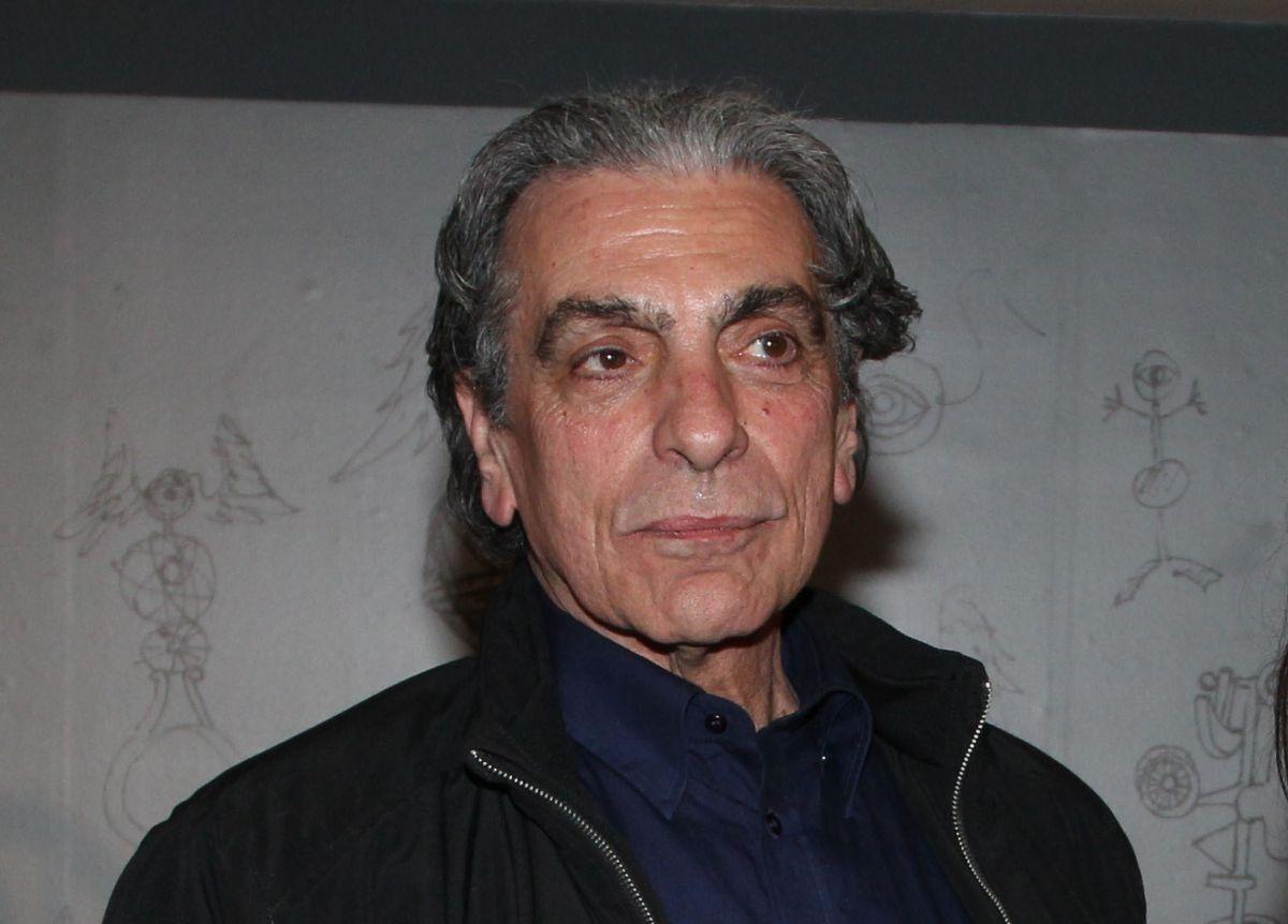 Έφυγε από τη ζωή ο σχεδιαστής μόδας Χάρης Χουρμούζης