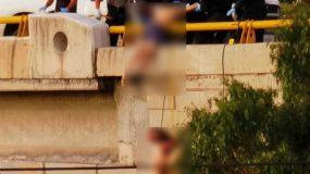 Φρίκη:  6 πτώματα βρέθηκαν κρεμασμένα σε γέφυρα – Προσοχή σκληρές εικόνες