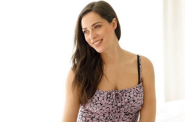 H Ευαγγελία Συριοπούλου μας δείχνει την κοιλιά της στον 7ο μήνα της εγκυμοσύνης της! (εικόνα)