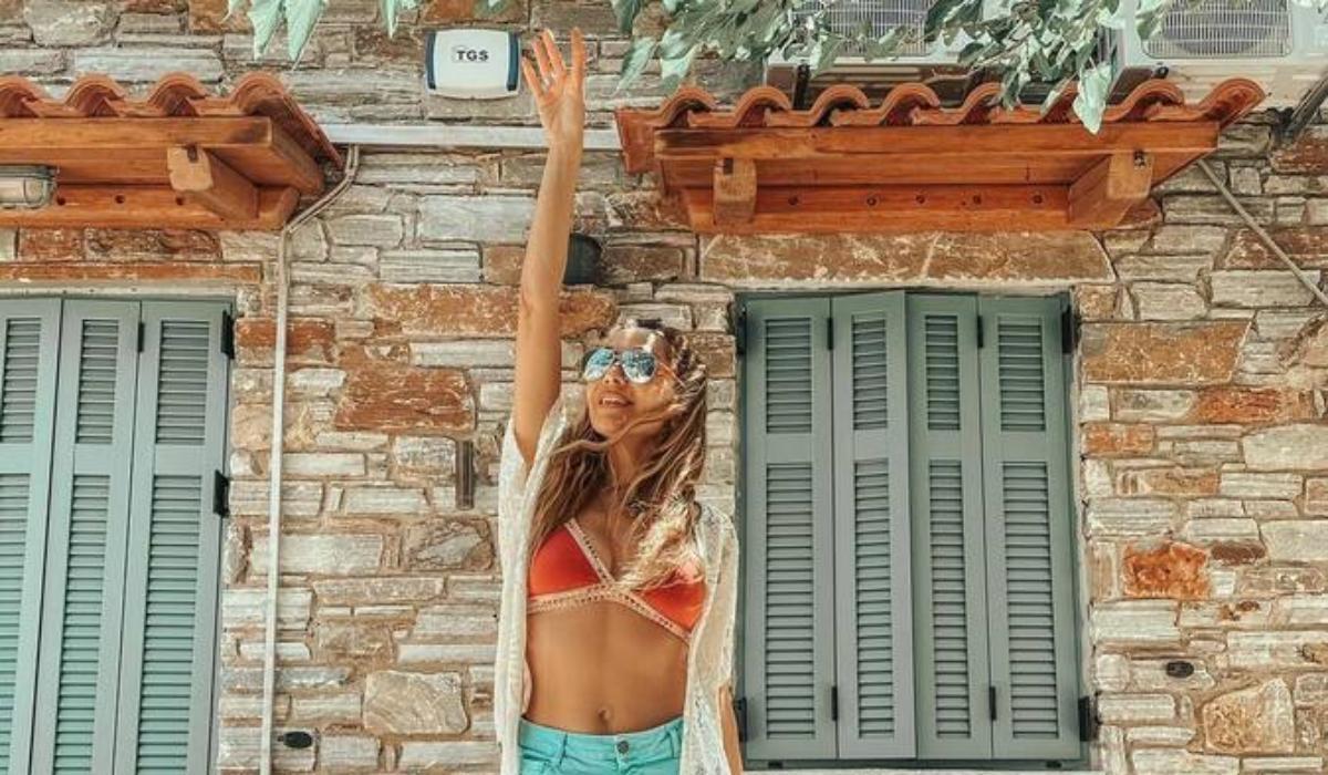 Δέσποινα Βανδή: Οι Διακοπές στην Εύβοια και το μήνυμα στήριξης για το νησί