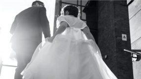 Χαμός σε γάμο στα Τρίκαλα : Κουκουλοφόροι πήραν τον γαμπρό σηκωτό