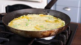 Ομελέτα- με- λαχανικά -και- τυρί-