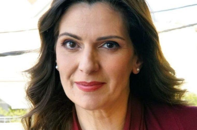 Θεοδώρα Σιάρκου: «Κάθε μέρα φοβάμαι για αυτό που κάνει ο σύζυγός μου αλλά είμαι περήφανη για αυτόν»