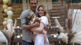 Γιώργος Χρανιώτη- Γεωργία Αβασκαντήρα: Βάπτισαν τον γιο τους στην Τήνο! (εικόνες)