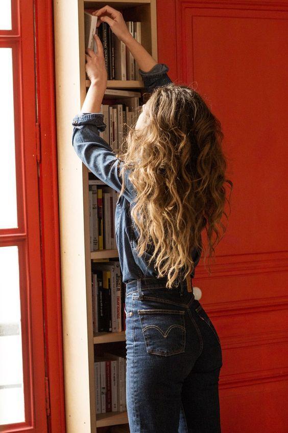 χαλαρές_μπούκλες_σε_μακριά_μαλλιά_ιδέες_