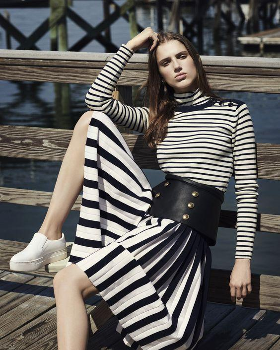 total sailor stripes_με_μάξι φούστα_και_μακρυμάνικη_μπλούζα_