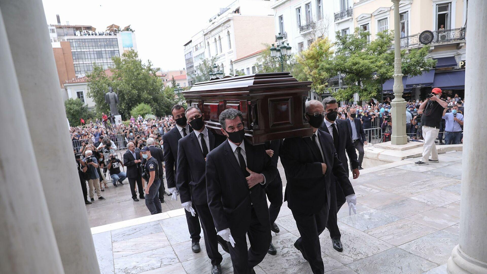 Μαργαρίτα Θεοδωράκη: Tα λόγια της για την απουσία της από την Μητρόπολη στην τελετή αποχαιρετισμού του Μίκη Θεοδωράκη