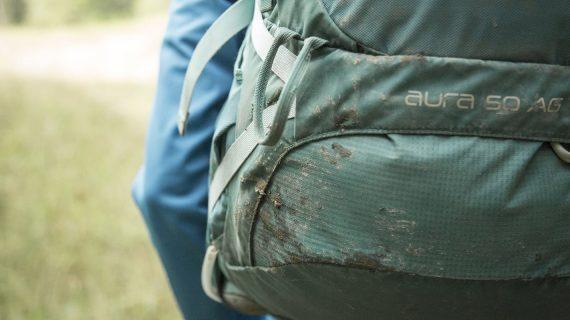 Δεν θα πάρω καινούργια τσάντα στο παιδί μου. Μια χαρά είναι η περσινή. Λίγο τριμμένη από το σούρσιμο αλλά μια χαρά