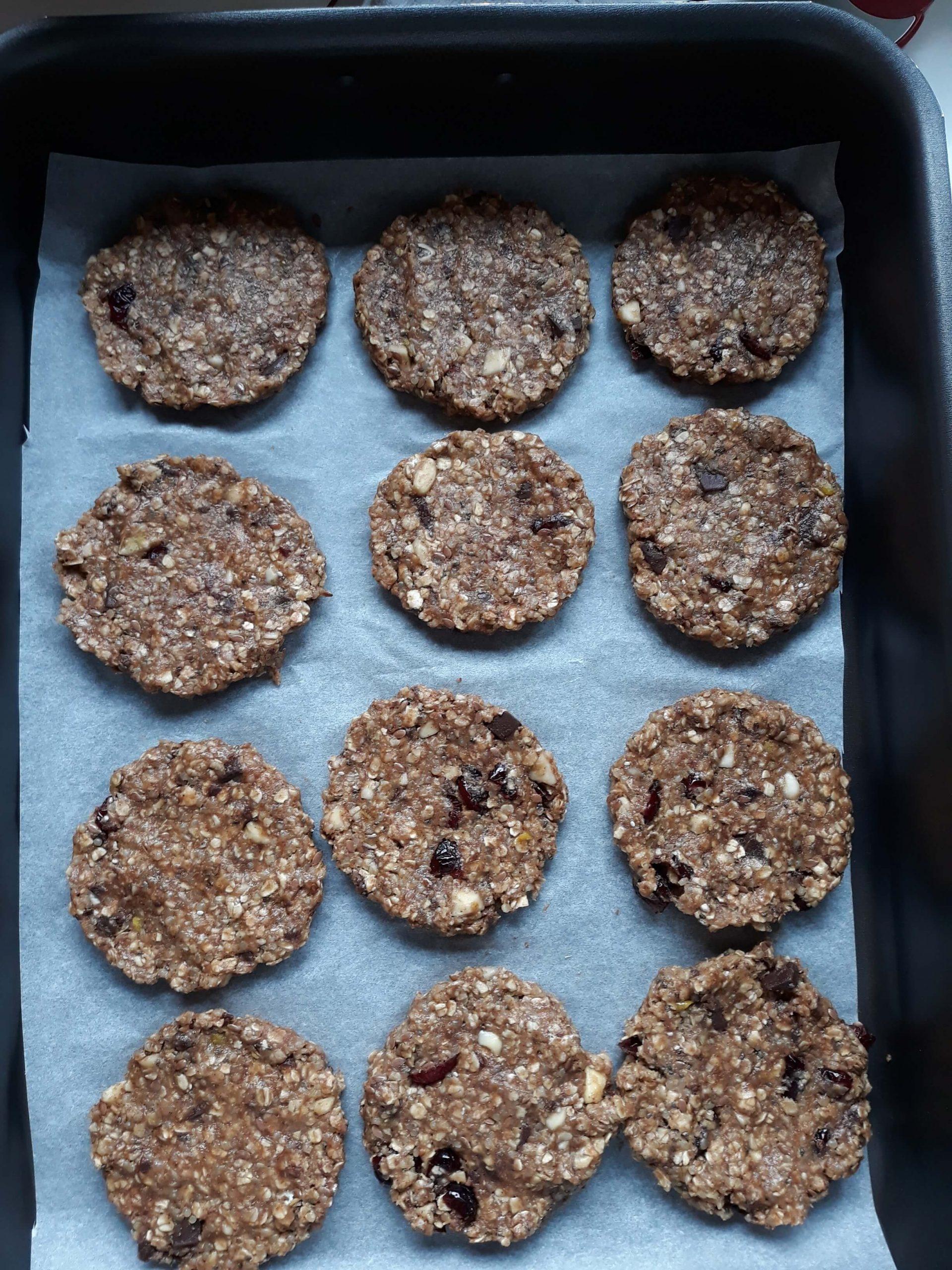 Κολατσιό για σχολείο: Superfood cookies από τον Άκη Πετρετζίκη
