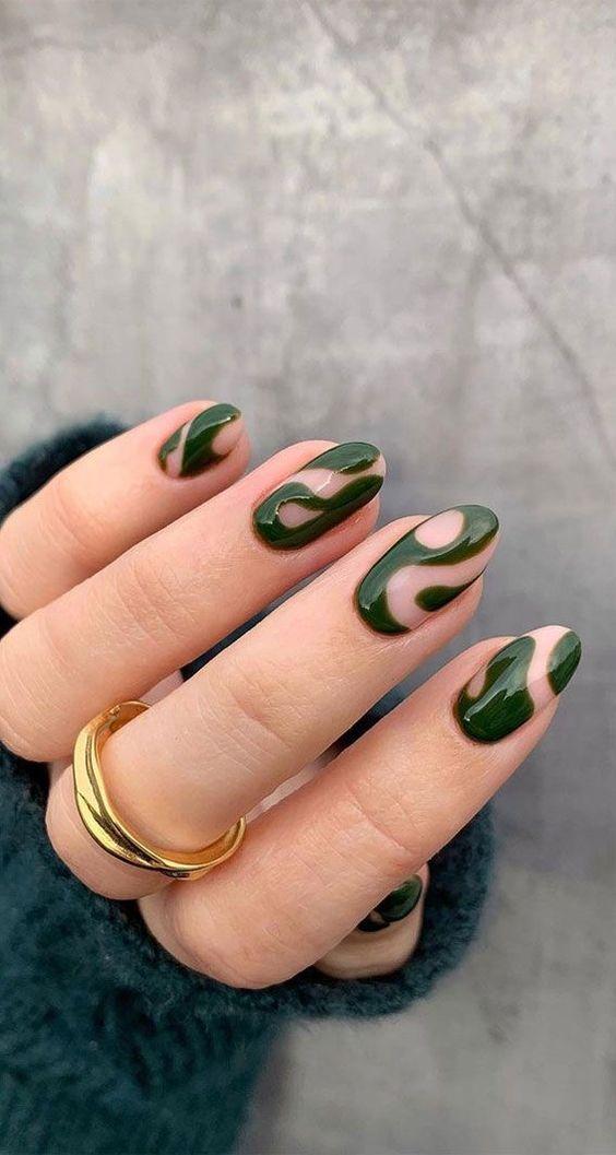 indie-nails-με-κυπαρισσί-χρώμα-