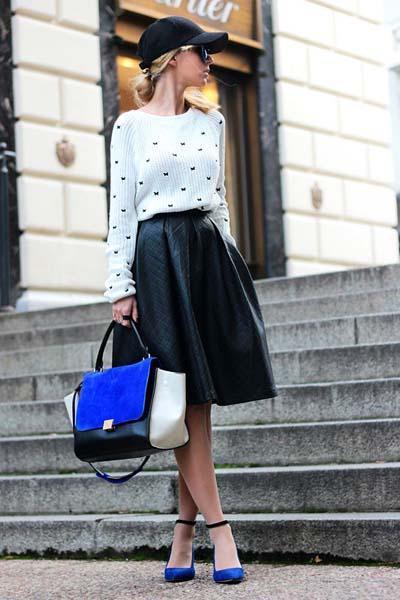 Δερμάτινη φούστα: 15 ιδέες για μοντέρνα outfits το Φθινόπωρο – Χειμώνας 2021 – 2022