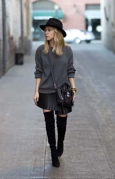μαύρη-φούστα-με-πιέτες-