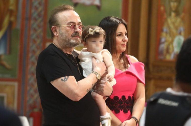 Ο Σταμάτης Γονίδης βάφτισε την κόρη του- Οι διάσημοι καλεσμένοι (φωτογραφίες)