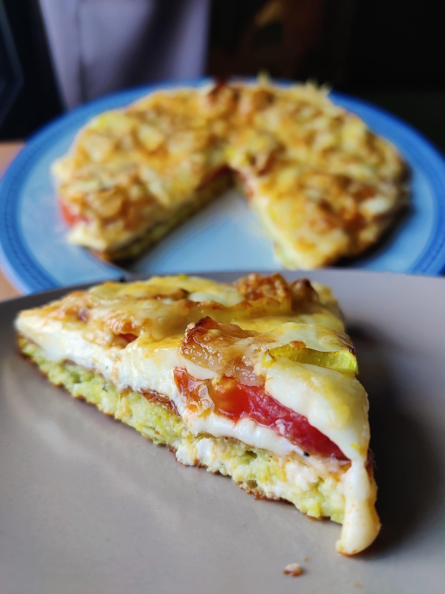 βάση-για-πίτσα-από-κολοκυθάκια-