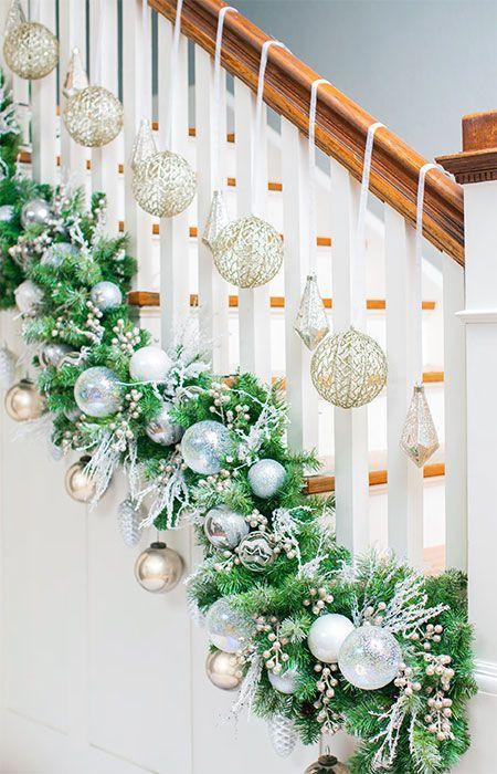 χριστουγεννιάτικη διακόσμηση-σε-ασημί-χρώμα-