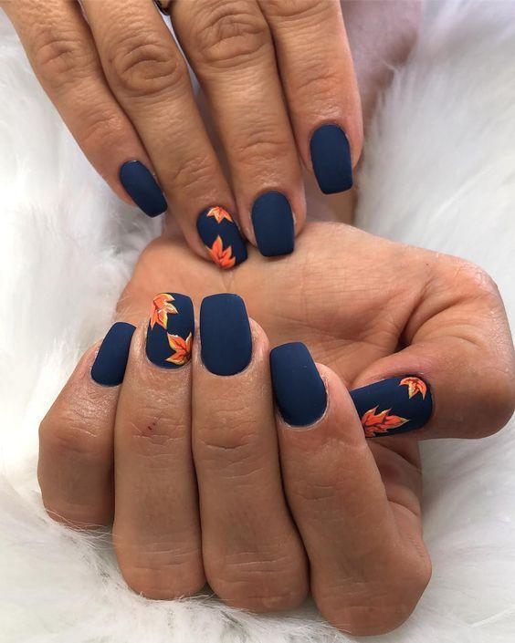 μπλε-μανικιούρ-με-φθινοπωρινά-φύλλα-ιδέες-