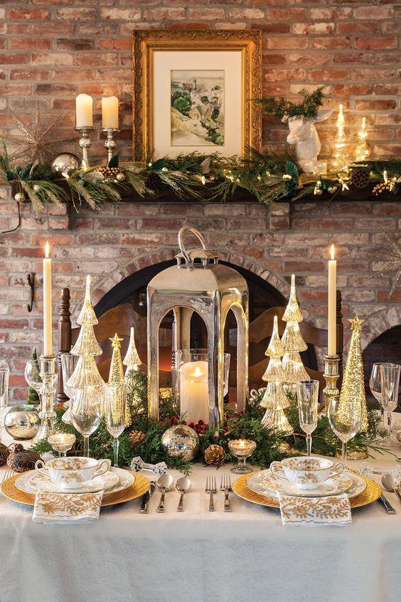 χριστουγεννιάτικα-διακοσμητικά-σε-χρυσό-χρώμα-για-το-χριστουγεννιάτικο τραπέζι-